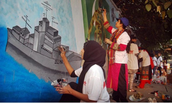 Artists Participate In Street Art Competition Lahore - Pakistan