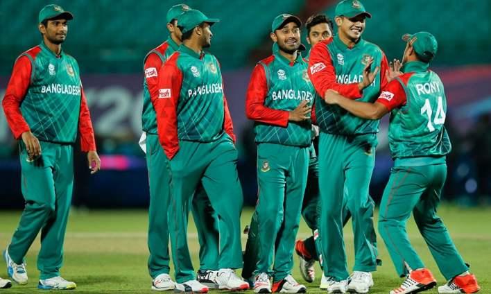 ب- بنگلہ دیش ورلڈ ٹی ٹوئنٹی سے قبل ہوم گراؤنڈ میں پاکستان سمیت چند بڑی ٹیموں کو شکست دے کر ایونٹ میں مضبوط ٹیم بن کر آرہی ہے—فوٹو: اے پی