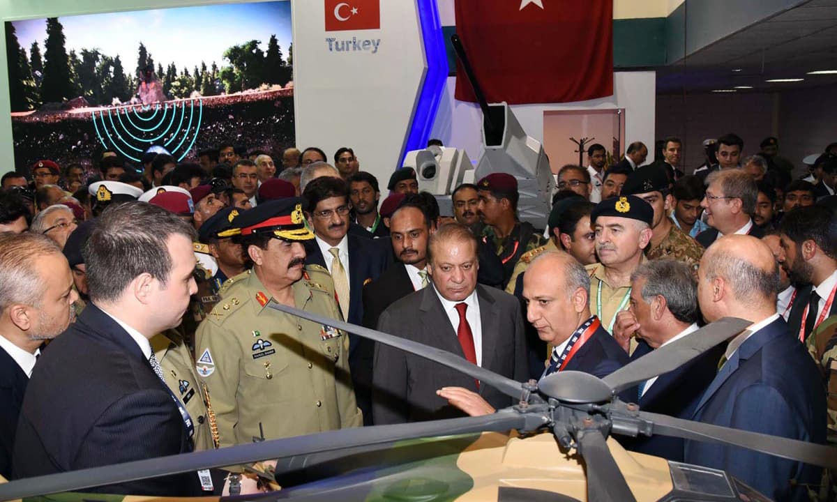 Prime Minister Nawaz Sharif, Chief of Army Staff General Raheel Sharif and Sindh Chief Minister Syed Murad Ali Shah seen at IDEAS 2016. —Online