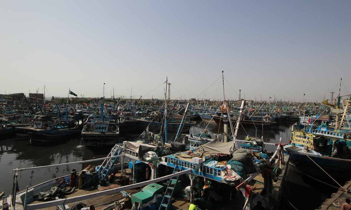 Fisheries harbour at Machar Colony, Karachi | Bilal Karim Mughal