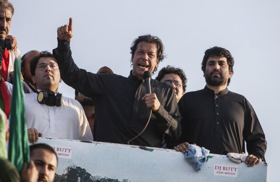 Imran Khan addresses dharna participants from atop a container. ─ Reuters/File
