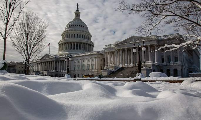امریکا میں دارالحکومت واشنگٹن ڈی سی میں بھی برف باری ہوئی—فوٹو: اے پی