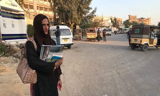 نشا کی زندگی کی کہانی معاشرے کی ناانصافیوں اور دھتکار سے بھرپور ہے—تصویر عائشہ علی