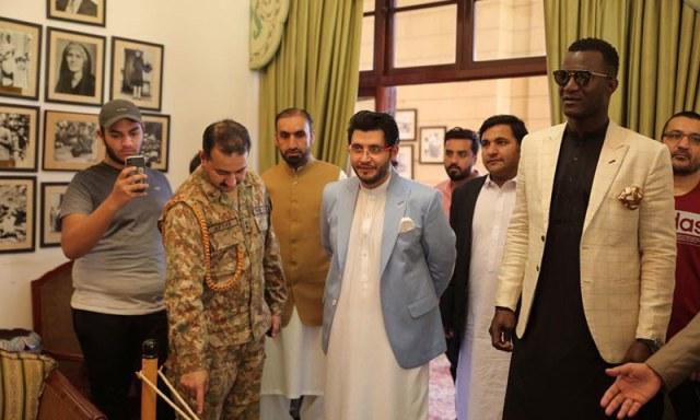 جاوید آفریدی سیکیورٹی سے متاثر ہوئے — فوٹو: پشاور زلمی
