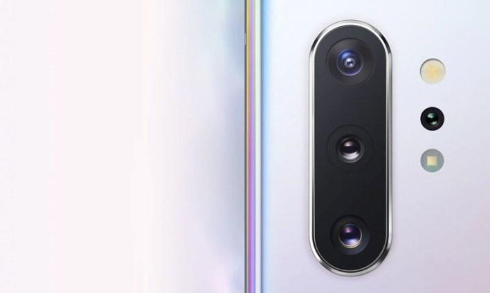 گلیکسی نوٹ 10 پلس میں 5 کیمرے دیے گئے ہیں—فوٹو: سام سنگ