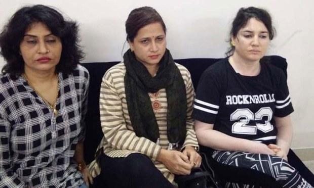 پولیس نے پانچوں مرکزی ملزمان خواتین کو گرفتار کر رکھا ہے—فوٹو: مینوراما آن لائن