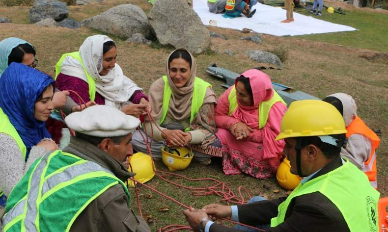 Volunteers refreshing their skills on rope management — image courtesy: AKAH-P