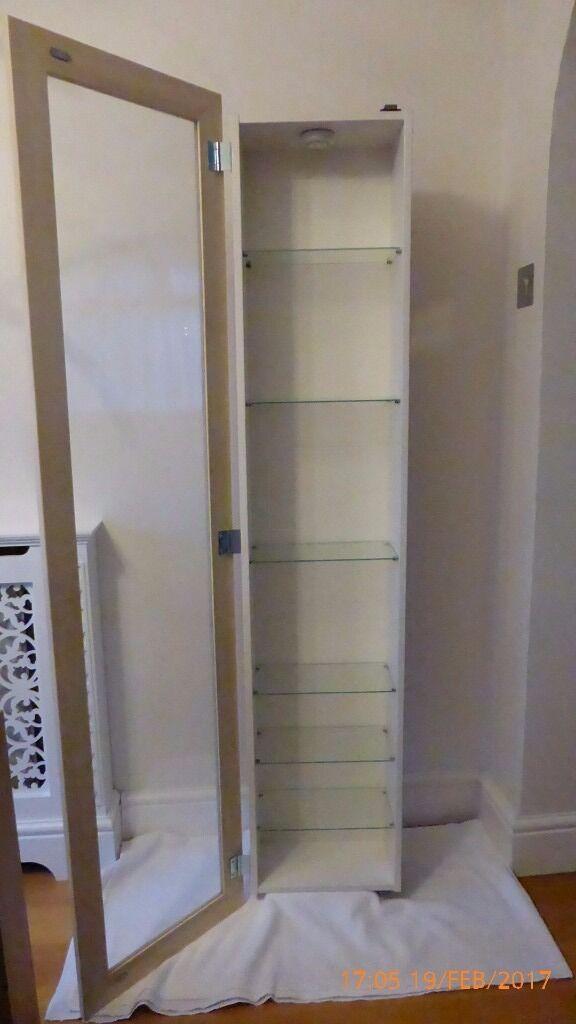 Ikea Vitrinekast Bertby