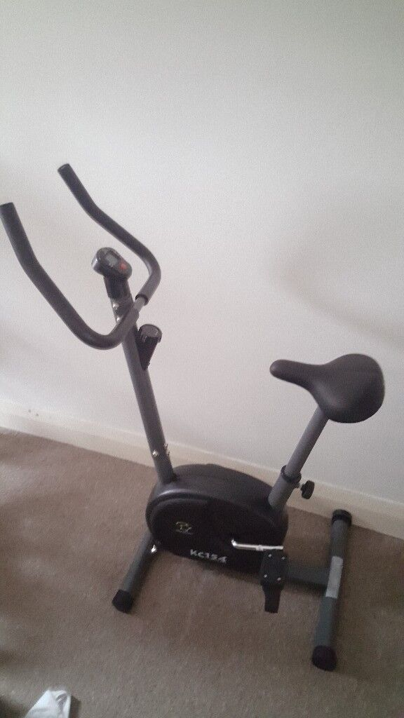Star Shaper Spin Bike