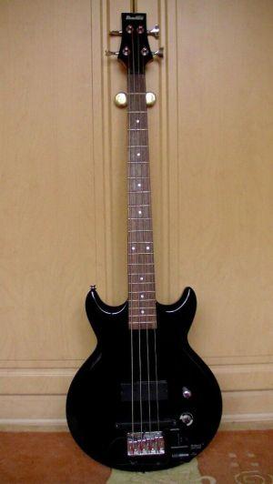 IBANEZ GIO GAXB 150 Bass Guitar wRoland GK2B divided