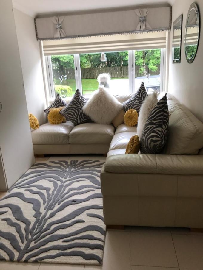 Cushions To Match Cream Leather Sofa Catosfera Net