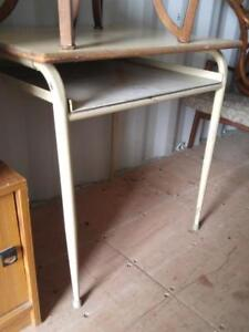 kitchen table carts for small kitchens buy or sell tables in toronto gta kijiji classifieds oakville high utility 30wx24dx30h retro metal solid vintage steel mid century work