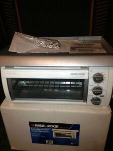 Black Amp Decker Toaster Oven Under Counter Cabinet Spacemaker w Hood TROS1500  eBay