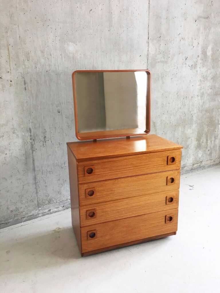 1970 S Mid Century Schreiber Chest Of Drawers With Adjule Mirror