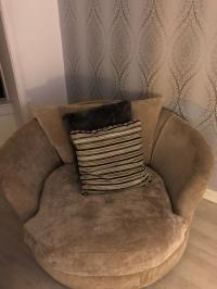Corner sofa and cuddle chair   in Springburn, Glasgow ...