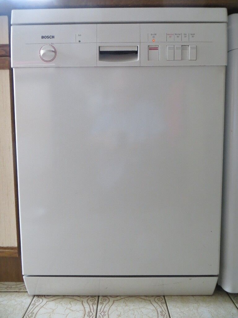 Bosch Dishwasher - White and Stainless steel - Perfect Working Order - PRICE REDUCED !   in Willaston, Cheshire   Gumtree