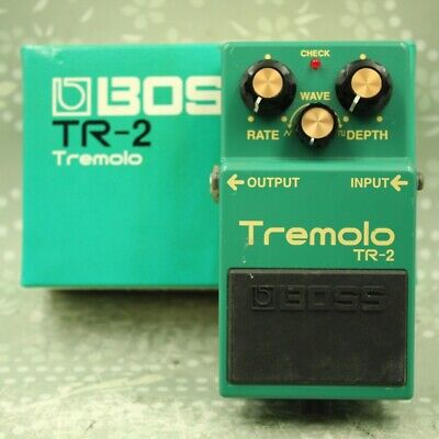 BOSS TR-2 Tremolo With original box Guitar effect pedal (HU34234)