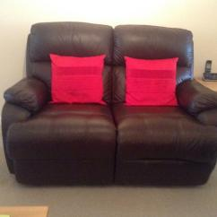 Two Seater Recliner Sofa Gumtree Bed The Brick Canada Brown Leather 2 Reclining In Excellent