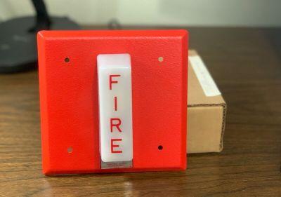 *NIB* *New* *Vintage* Honeywell Wheelock SC807B1001 Fire Alarm Remote Strobe Red