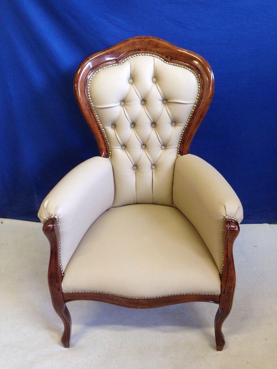 Nel nostro sito troverai un'ampia selezione di sedie per sala da pranzo adatte a tutti gli stili d. Poltrona In Pelle Poltroncina Camera Da Letto Ufficio Classica