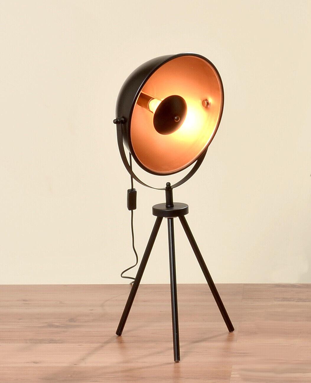 Stehlampe Studiolampe Retro Dreibein Scheinwerfer