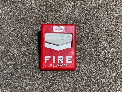 *Vintage* *Rare* Standard Chevron F1G Fire Alarm Pull Station