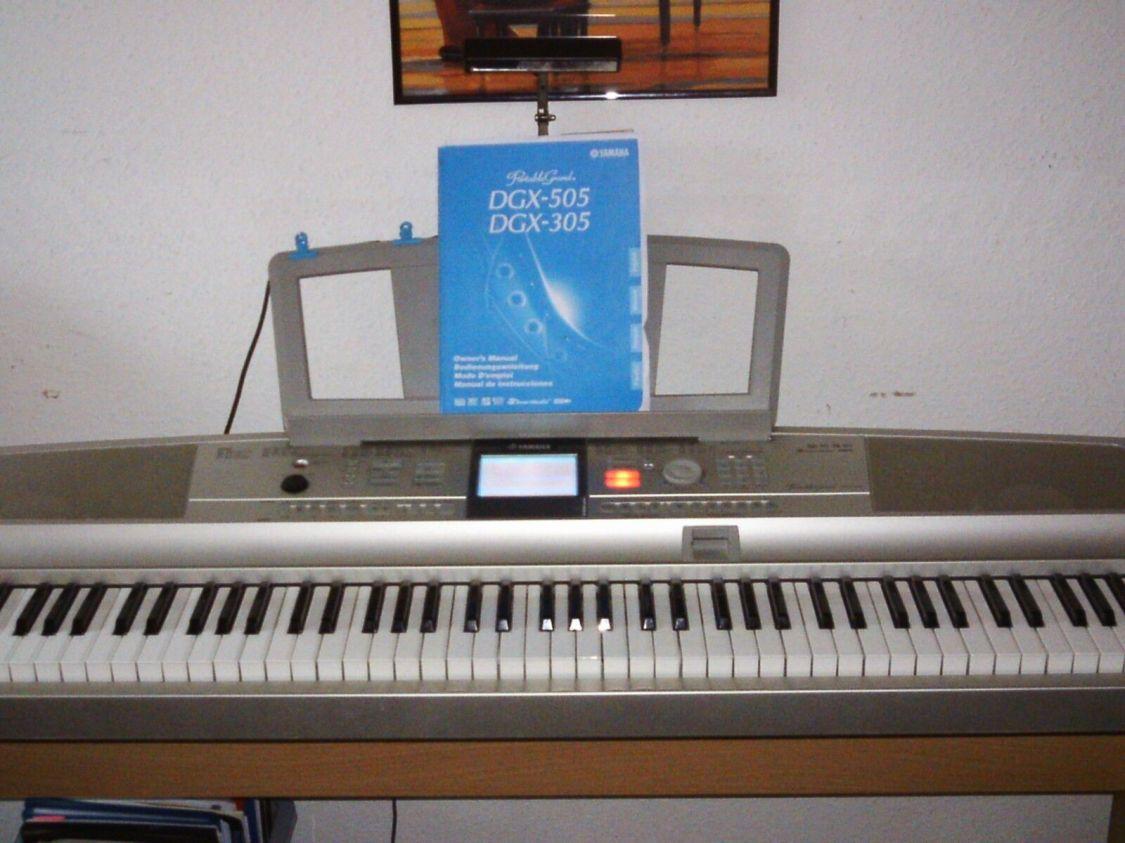 E-Piano Yamaha DGX-505  88 Tasten