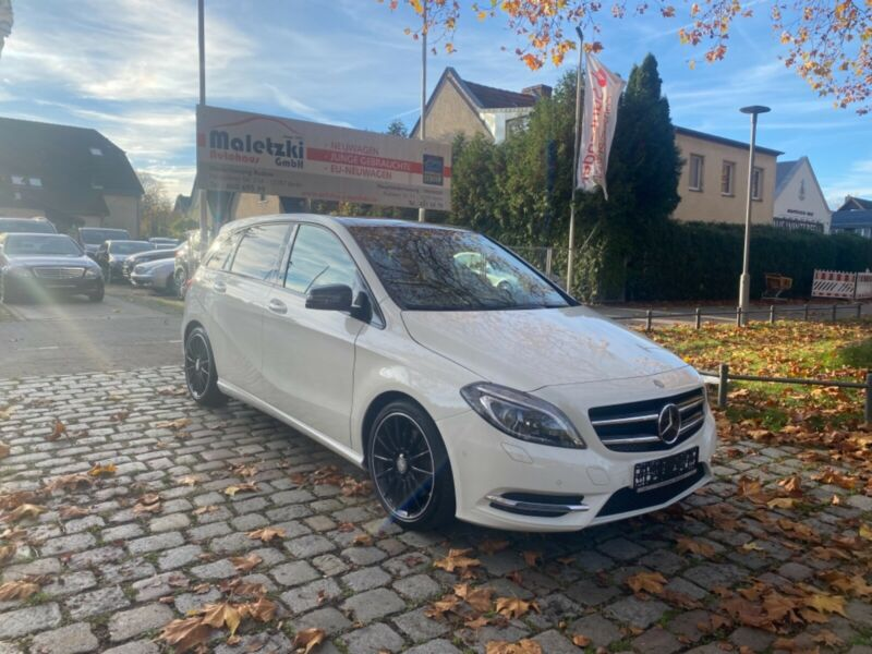 Mercedes-Benz B 250 CGI BlueEfficiency*Pano*NightPaket*AMG*