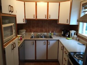 kitchen armoire buy old cabinets kijiji in ontario sell save with armoires de cuisine