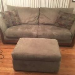 Leon S Mackenzie Sofa Grey Leather Corner Large Ricardo Leons Kijiji In Alberta Buy Sell Save With Canada 1 Local 4 Seater And Matching Ottoman
