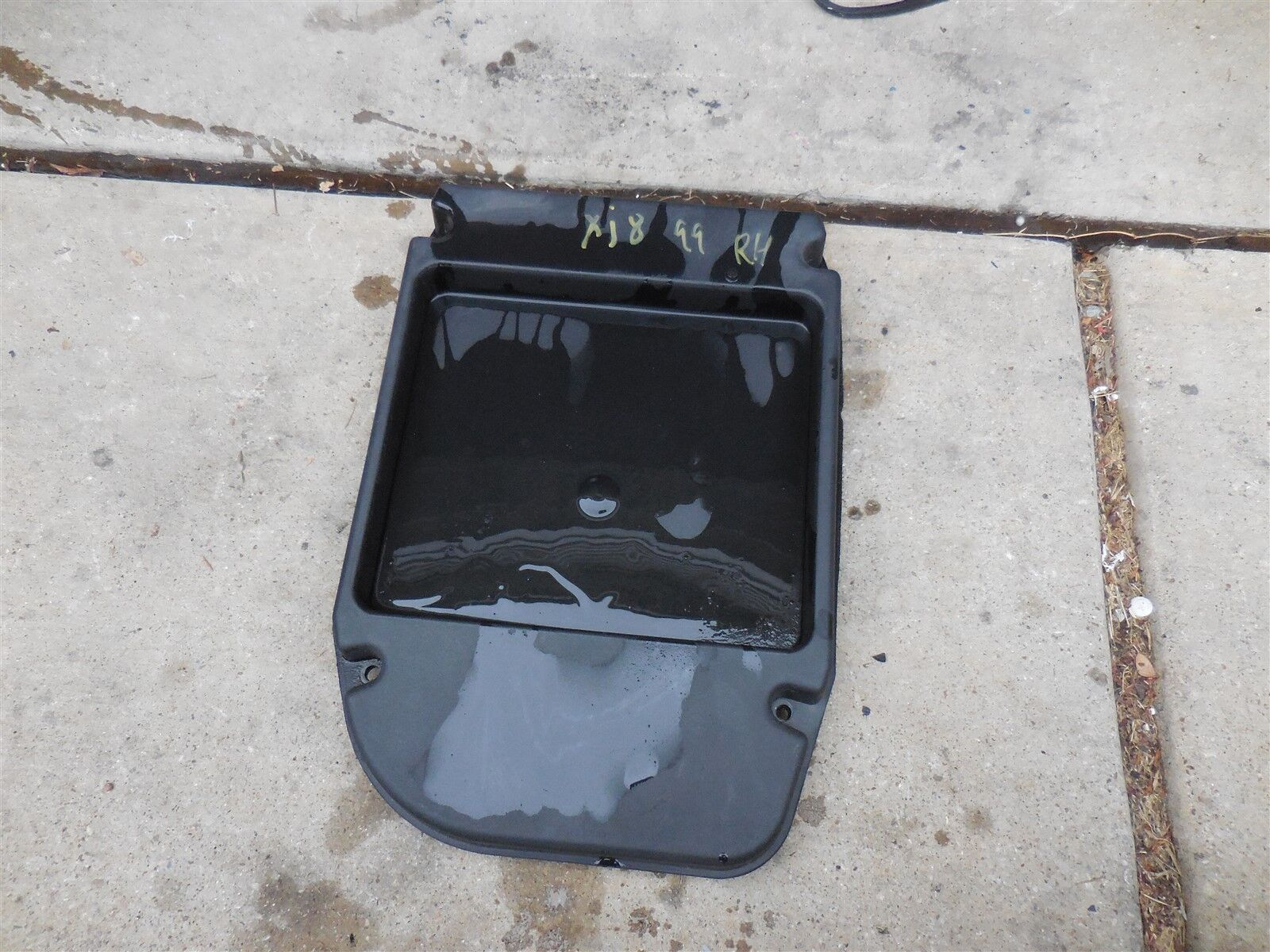hight resolution of details about 1998 2003 jaguar xj8 oem used under hood engine fuse box compartment box lnc2410