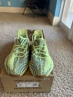 Yeezy adidas Boost 350 V2 Semi Frozen Yellow size 10.5 with box AUTHENTIC