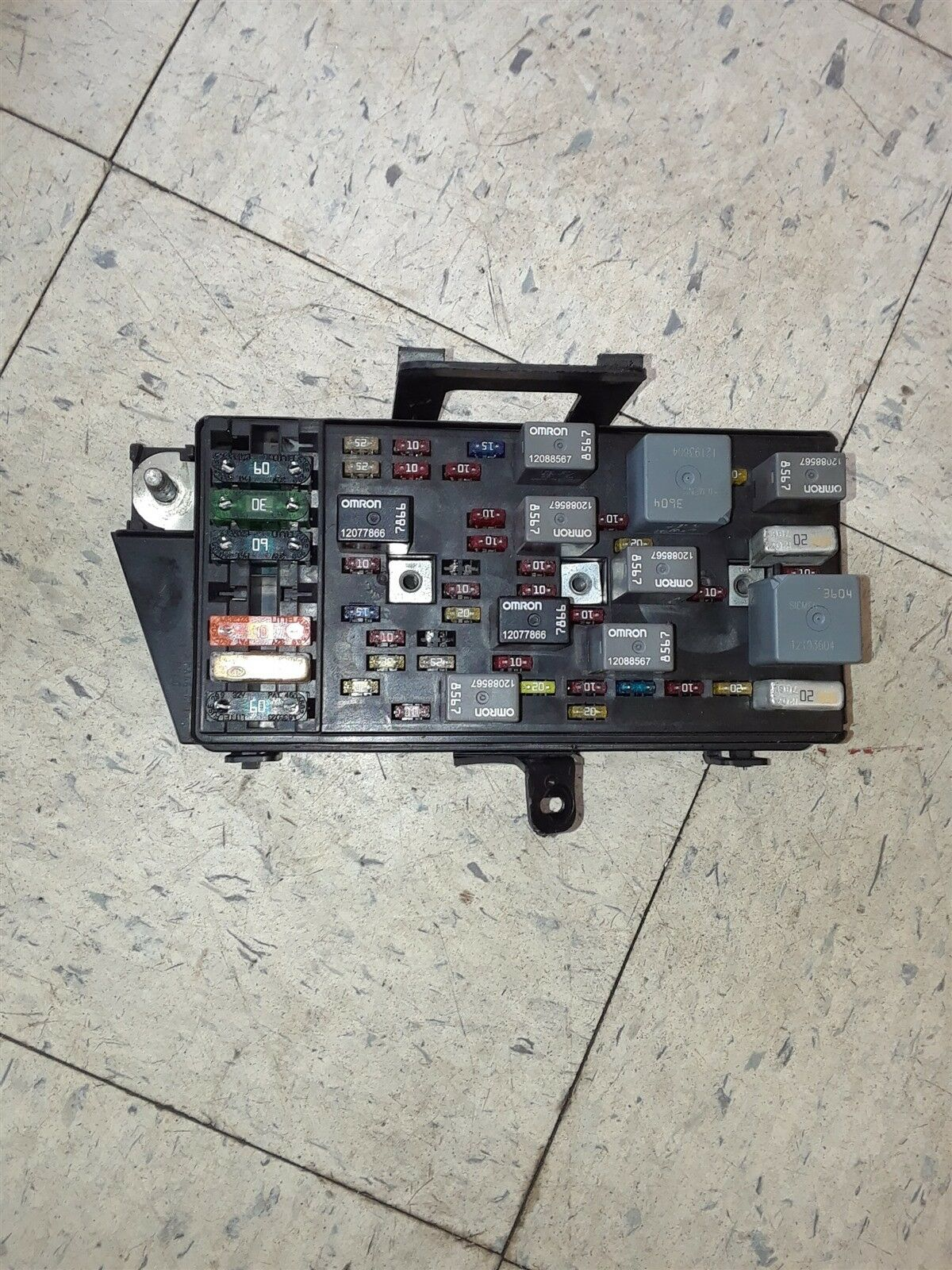 hight resolution of 01 04 corvette c5 interior fuse box assembly 10443148 gm aa6285