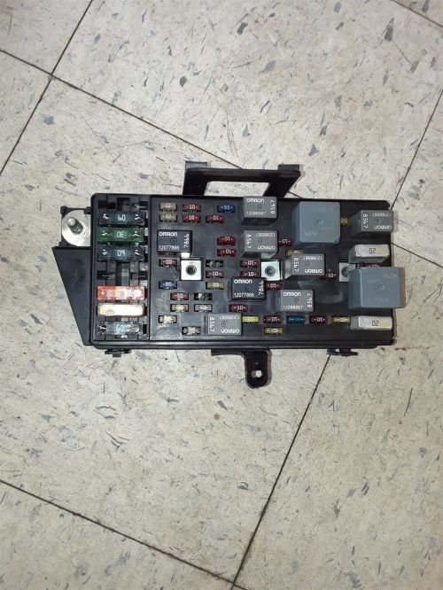 small resolution of 01 04 corvette c5 interior fuse box assembly 10443148 gm aa6285