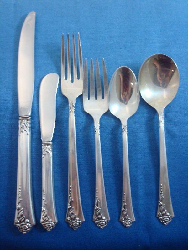 Damask Rose Oneida Sterling Silver Flatware Set Service
