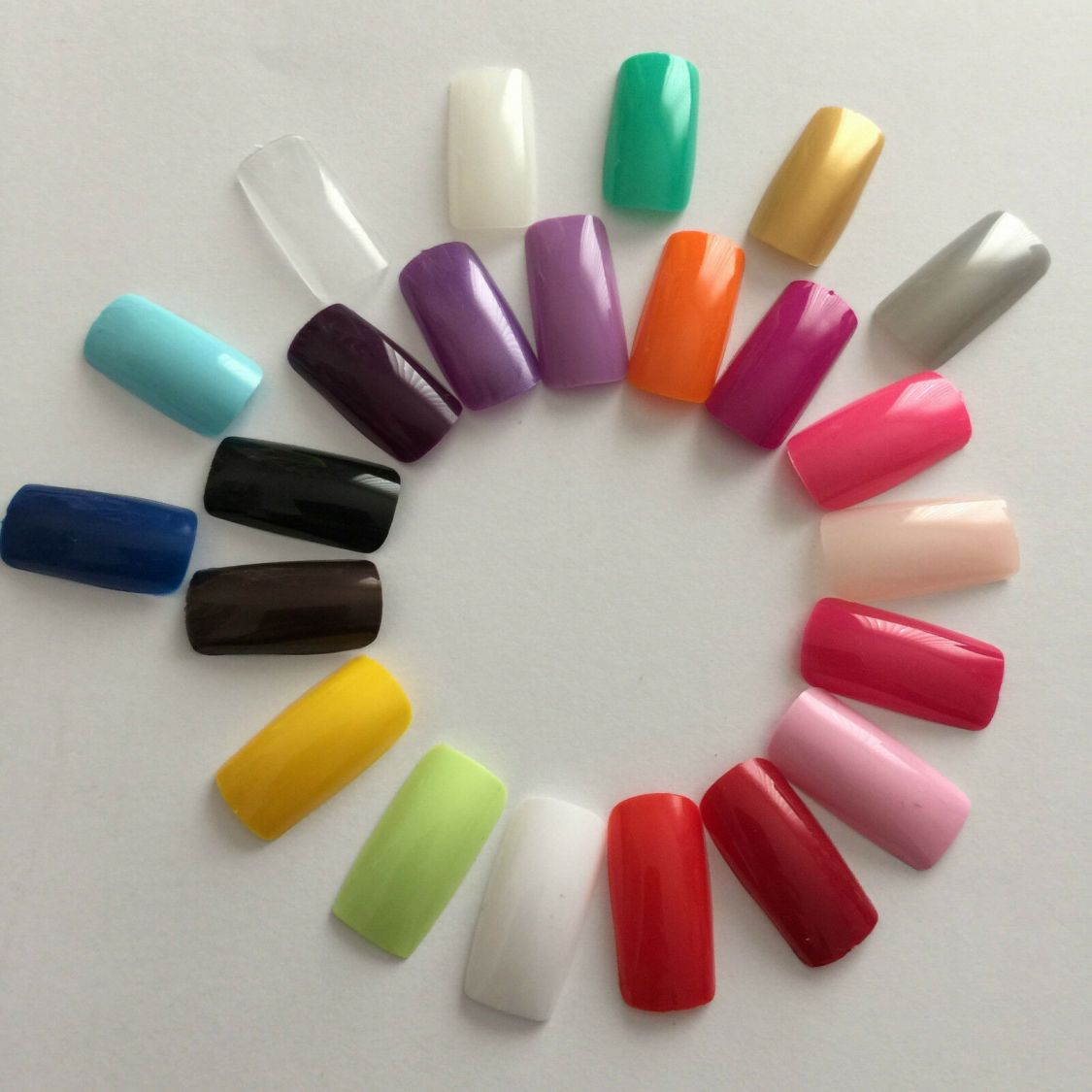 100 Künstliche Fingernägel Full Size Cover Tips in vielen Farben