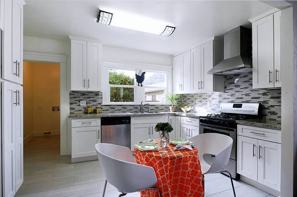 shaker kitchen cabinets cottage style chairs pearl white cabinet on sale countertops burnaby new westminster kijiji