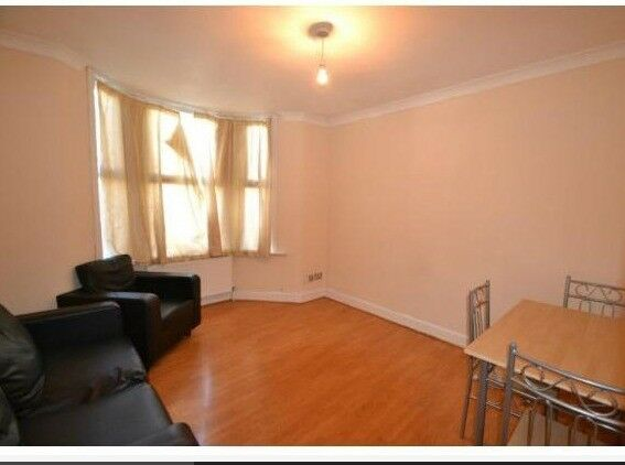 Lovely 3 Bed Flat On Central Park Road E6 Available End Of October Part