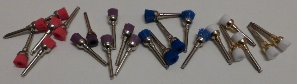 Nylon  Polierbürsten  für  Prophylaxe.   Zahnreinigungsbürstchen