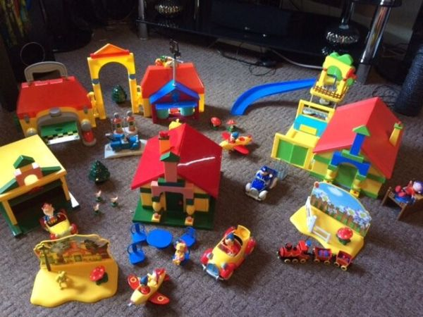 Corgi Noddy In Toyland Playsets With Figures And Cars Wednesbury West Midlands Gumtree
