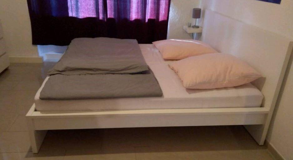 IKEA Malm Bettgestell, weiß mit hohem Kopfteil, 180 x 200 cm