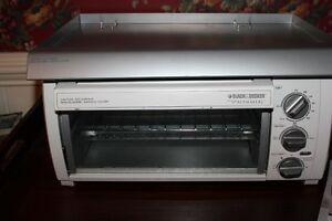 Black Decker Spacemaker Under Cabinet Toaster Oven TROS1500 Hood MT Inclded  eBay