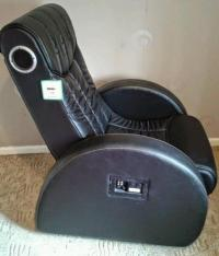 Leather reclining gaming chair with built in speakers | in ...