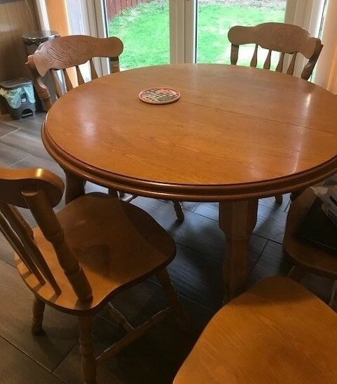 oak kitchen table danze opulence faucet and 6 chairs is round with center extending panel polished top in newry county down gumtree
