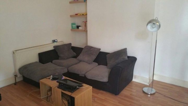Lovely 3 Bedroom Flat In East Ham Part Dss Accepted Plaistow