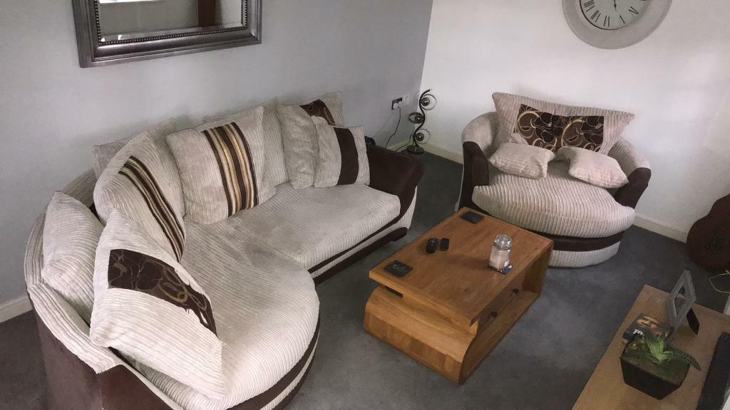 snuggle sofa and swivel chair midcentury modern sofas scs kirk cuddle rrp 1400 in ibstock