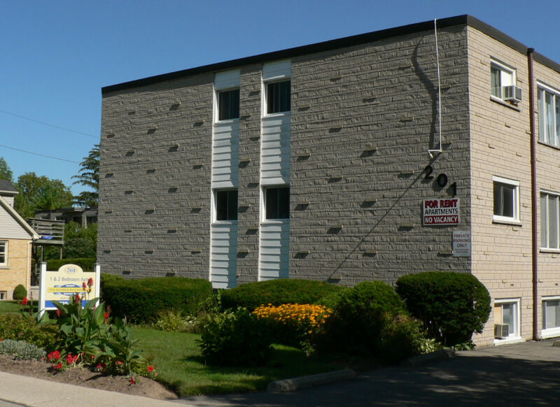 201 ERB STREET WEST WATERLOO 2 BDR unit Available NOW  2