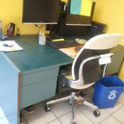 Desk Chair Kijiji Ottawa Navy Velvet Dining Chairs Old School   Kijiji: Free Classifieds In Ontario. Find A Job, Buy Car, House Or ...