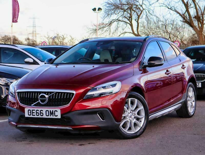 2016 Volvo V40 T3 [152] Cross Country Pro 5dr Geartronic Auto Hatchback Petrol A   in Castle Donington, Derbyshire   Gumtree