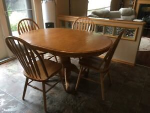 oak kitchen tables make overs table buy or sell dining sets in manitoba kijiji with leaf and 4 chairs must pick up